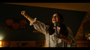 """In Stranger Things 3 ( 2019 ) Dustin is seen singing """"The neverending story"""" to his girlfriend Suzie although this is completely wrong since the song only lasted 2 minutes: In Stranger Things 3 ( 2019 ) Dustin is seen singing """"The neverending story"""" to his girlfriend Suzie although this is completely wrong since the song only lasted 2 minutes"""