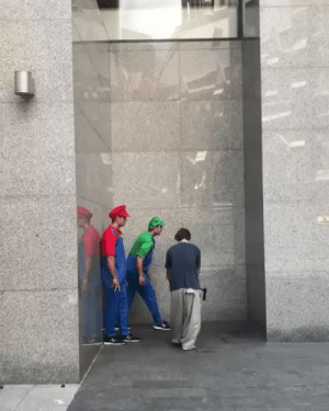Dude, My House, and Smashing: inmyflyingmachine:  retrogamingblog: Mario and Luigi getting in shape for Smash Bros 5  Dude I can't even walk across my house without stumbling like fuck these guys