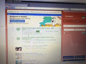 Its official im browsing Reddit on a Windows 98 Machine: Its official im browsing Reddit on a Windows 98 Machine