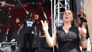 Dancing, Target, and Tumblr: jamaican:    Waka Flocka Thought The Sign Language Interpreter Was Dancing   😂