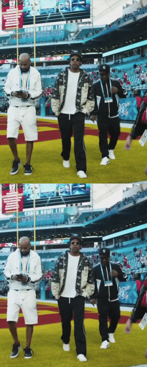 Jay-Z on the field at #SBLIV   📺: #SBLIV | 6:30pm ET on FOX 📱: NFL app // Yahoo Sports app https://t.co/v9x7eqkyB1: Jay-Z on the field at #SBLIV   📺: #SBLIV | 6:30pm ET on FOX 📱: NFL app // Yahoo Sports app https://t.co/v9x7eqkyB1
