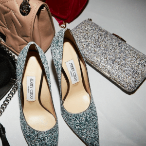 Glitter pumps and a matching clutch are the ultimate red carpet combo, like our LOVE heels and ELLIPSE clutch.  http://bit.ly/GLITTER_LOVE: JIMMY CHOO Glitter pumps and a matching clutch are the ultimate red carpet combo, like our LOVE heels and ELLIPSE clutch.  http://bit.ly/GLITTER_LOVE
