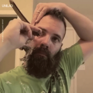 This guy shaved his 6-month-old beard off with a straight razor and he looks SO different 😱😲: JOHN SMITH STORYFUL This guy shaved his 6-month-old beard off with a straight razor and he looks SO different 😱😲