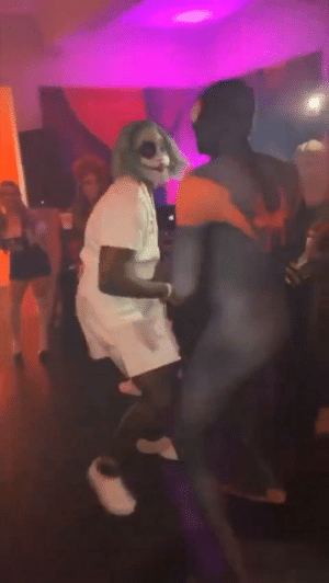 John Wall doing the Dougie while dressed as The Joker!   Via kayla_jasmin_/IG https://t.co/d3byZH2tPM: John Wall doing the Dougie while dressed as The Joker!   Via kayla_jasmin_/IG https://t.co/d3byZH2tPM