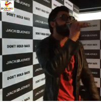 Laughing Colours was live with Ranveer Singh , he can beat honey Singh &  Badsha both...: JONES'  DONT HOLD BACK  JACK-JONES  una  DONT MOD  DONT HOLD BACK  JACK JONES  JAou  DONT HOLD BACK  ores  JACK JONES Laughing Colours was live with Ranveer Singh , he can beat honey Singh &  Badsha both...