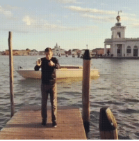 Confidence, Phone, and Wcgw: Juggling your phone, WCGW?