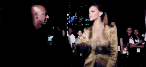 jvustinbieber: a truly iconic moment when rihanna throws a stack of money in stephen hill's face because she wasn't allowed to take money on stage : jvustinbieber: a truly iconic moment when rihanna throws a stack of money in stephen hill's face because she wasn't allowed to take money on stage