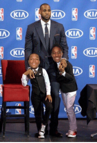 LeBron James, Memes, and Lebron: KIA  KIA  KIA  KIA  KIA  IA Lebron James with his sons https://t.co/glP3HxiMKs