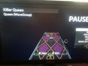 Queen, Back, and Song: Killer Queen  Queen (WaveGroup)  PAUSE  NEW  PRA  OP  SONG SET  Select  Back  REVO Kira Fretboard stays on during Killer Queen