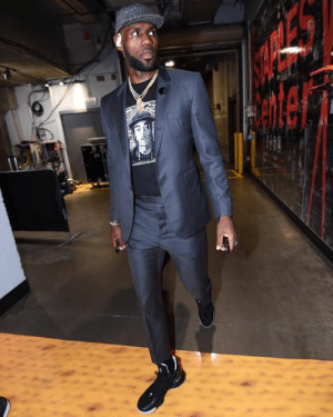 Lebron For Gameupscalehype Tee Suit Wears Vs The Sneakers A 80XnwkPO
