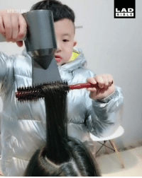 Dank, Parents, and True: LAD  BIBL E 6-year-old Jiang grew up in his parents' salon and already looks like a true professional! 👏