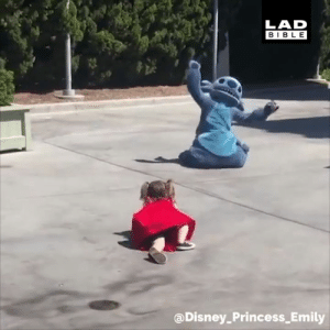 Being Alone, Dank, and Disneyland: LAD  BIBLE  aDisney_Princess Emily When this little girl fell over at Disneyland, Stitch made sure she didn't feel alone 🙌