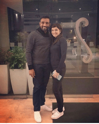 Memes, 🤖, and Robin: Latest click of Mr. and Mrs. Robin Uthappa