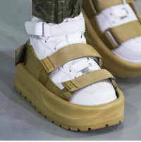 laughoutloud-club:  Even worse than socks and sandals: SHOES IN SANDALS: laughoutloud-club:  Even worse than socks and sandals: SHOES IN SANDALS