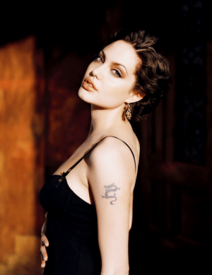 le-jolie:  Angelina Jolie photographed by George Holz, 1998.: le-jolie:  Angelina Jolie photographed by George Holz, 1998.