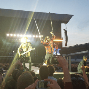 metalinjection:  Dave Grohl Breaks Leg At FOO FIGHTERS Show, Gets Cast, Keeps Going! We've continually called Dave Grohl the coolest motherfucker in rockand he continues to prove us right! At a show that happened in Sweden hours ago, Grohl lept from the stage during the second song in the set and felt his leg break. Grohl tried to keep going, but eventually had to be taken … Click here for more: LE metalinjection:  Dave Grohl Breaks Leg At FOO FIGHTERS Show, Gets Cast, Keeps Going! We've continually called Dave Grohl the coolest motherfucker in rockand he continues to prove us right! At a show that happened in Sweden hours ago, Grohl lept from the stage during the second song in the set and felt his leg break. Grohl tried to keep going, but eventually had to be taken … Click here for more