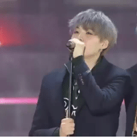 Tumblr, Twitter, and Blog: lilmeowmeowisyoongi:  omfg yoongi is so short that he had to lower the microphone stand🤣cr: sg_move39