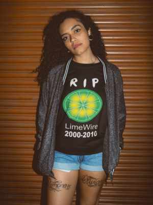 throwbackblr:   Remember when you tried to download a song and got Bill Clinton instead, good times. LimeWire you shall never be forgotten. AVAILABLE HERE  : LimeWire  2000-2010 throwbackblr:   Remember when you tried to download a song and got Bill Clinton instead, good times. LimeWire you shall never be forgotten. AVAILABLE HERE