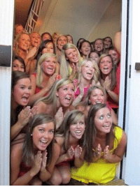Live look-in outside Donte DiVincenzo's hotel room: #NCAAChampionship https://t.co/UjnM3OvY3Q: Live look-in outside Donte DiVincenzo's hotel room: #NCAAChampionship https://t.co/UjnM3OvY3Q