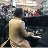 "At-St, cnn.com, and John Legend: LIVE NATION UK Repost via @cnn : John Legend (@johnlegend) surprised commuters in London with a concert at St. Pancras Station this morning. He played a 10-minute set of some of his biggest hits including ""Ordinary People"" and ""All of Me."" 👌👌👏"