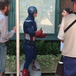 lonely-creator: Captain America at Disneyland signing with a deaf guest. This is so important! : lonely-creator: Captain America at Disneyland signing with a deaf guest. This is so important!