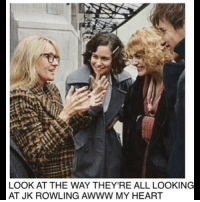 😍☺️ fantasticbeasts jkrowling fantasticbeastsandwheretofindthem: LOOK AT THE WAY THEY'RE ALL LOOKING  AT JK ROWLING AWWW MY HEART 😍☺️ fantasticbeasts jkrowling fantasticbeastsandwheretofindthem