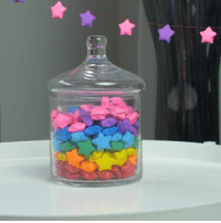 Love, Memes, and Stars: Love these paper stars!  #crafty