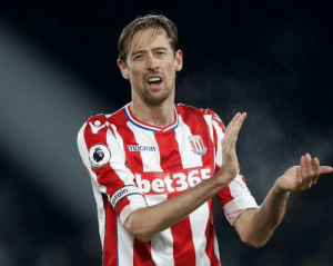 "Football, Soccer, and Game: macren  et365  tain ""My wife doesn't like football. One day she called me 10 minutes before a game to find out where I was.""  - Peter Crouch. 😂 https://t.co/s1Loyk2PYG"