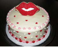 Make Lips my friends on my Birthday cake that really nice and fantastic for me: Make Lips my friends on my Birthday cake that really nice and fantastic for me
