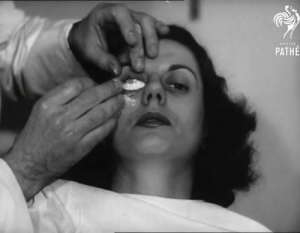 Making a mold for a contact lens in 1950s😳: Making a mold for a contact lens in 1950s😳