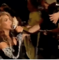 Beyonce fan singing fail: Mal Beyonce fan singing fail