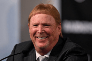 Mark Davis looks like the talking big toe in a commercial for toenail fungus. https://t.co/PYQS3dsl81: Mark Davis looks like the talking big toe in a commercial for toenail fungus. https://t.co/PYQS3dsl81