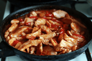 marriedfood: Chinese chicken in sweet and sour sauce recipe: marriedfood: Chinese chicken in sweet and sour sauce recipe