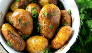 marriedfood:New potatoes with peel baked in the oven recipe: marriedfood:New potatoes with peel baked in the oven recipe