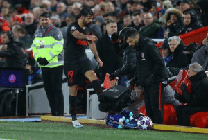 Massive respect to Diego Costa, 11 players sharing 6 water bottles is just asking for contamination and risk of spreading the Coronavirus, he went straight over and kicked them after being subbed off. Great to see someone looking out for their teammates. https://t.co/16qGvya9CN: Massive respect to Diego Costa, 11 players sharing 6 water bottles is just asking for contamination and risk of spreading the Coronavirus, he went straight over and kicked them after being subbed off. Great to see someone looking out for their teammates. https://t.co/16qGvya9CN