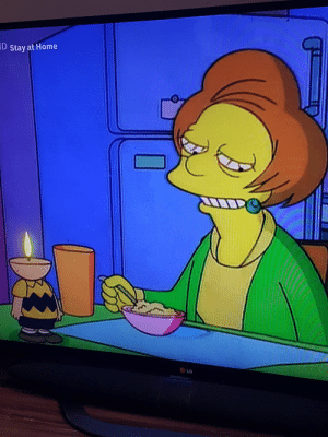 May have been posted before but i've never seen it. Mrs Krabappel has a Charlie Brown candle when she's on a date with Principal Skinner: May have been posted before but i've never seen it. Mrs Krabappel has a Charlie Brown candle when she's on a date with Principal Skinner