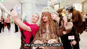 """becauseitisjohnnydepp:    Johnny Depp aka Captain Jack Sparrow meeting kids at Lady Cilento Children's Hospital, July 7th 2015 [x] : MED  Chidiant's  (ONAN  why doyou call it a """"selfie""""? becauseitisjohnnydepp:    Johnny Depp aka Captain Jack Sparrow meeting kids at Lady Cilento Children's Hospital, July 7th 2015 [x]"""