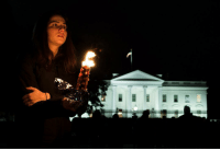 Community, Life, and Memes: Members and supporters of the Jewish community come together at the White House for a candlelit vigil, after a gunman killed 11 at a Pittsburgh synagogue. It's believed to be the worst anti-Semitic attack in recent US history. Tap the link in our bio to find out what we know so far about the terrible attack at the Tree of Life synagogue - and the man behind it. Photos: Andrew Caballero-Reynolds-AFP-Getty Images whitehouse pittsburgh treeoflife BBCNews