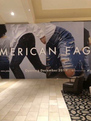 Ah yes, that moment when you, a pair of legs with no torso, gets groped by another pair of legs. Thank you.: MERICAN EAG  Opening December 2019  O americaneagle  : aeo.jobs Ah yes, that moment when you, a pair of legs with no torso, gets groped by another pair of legs. Thank you.