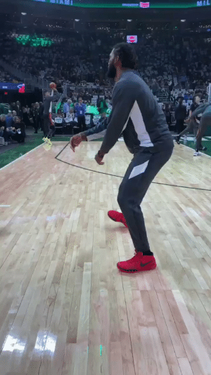 We never get tired of these type of videos!   @IAmJustise & a young @Bucks fans.  https://t.co/8ZGGRKV79M: MIL  . We never get tired of these type of videos!   @IAmJustise & a young @Bucks fans.  https://t.co/8ZGGRKV79M
