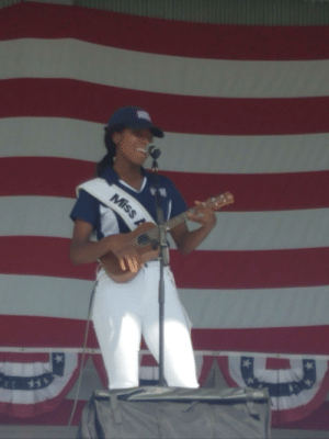 America, Independence Day, and Singing: Miss Nia Franklin, Miss America 2019, singing and playing ukulele for soldiers on Independence Day