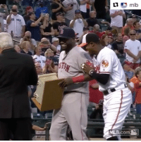 David Ortiz smashed a dugout phone in Baltimore in 2013. The Orioles gave him that phone as a gift tonight. 😂😂😂 (via @mlb): mlb  MLB.com David Ortiz smashed a dugout phone in Baltimore in 2013. The Orioles gave him that phone as a gift tonight. 😂😂😂 (via @mlb)