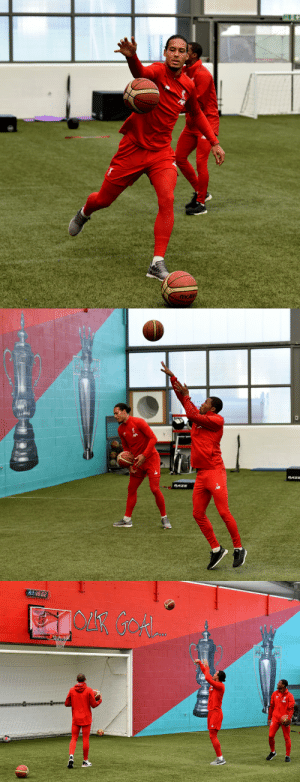 Liverpool players started playing Basketball in training when they realised they are playing Man Utd next.  https://t.co/1IbgktujkR: molte   RAZE  RAZE  20 Liverpool players started playing Basketball in training when they realised they are playing Man Utd next.  https://t.co/1IbgktujkR