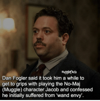 "Memes, 🤖, and Character: mugglefacts  Dan Fogler said it took him a while to  get to grips with playing the No-Maj  (Muggle) character Jacob and confessed  he initially suffered from wand envy'. qotd : comment ""😏"" if you knew this and ""😱"" if you didn't."