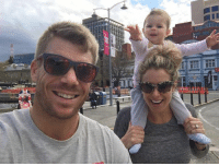 Memes, Wife, and Adorable: MUSTO  FF  El How adorable is this click of David Warner with his wife and daughter