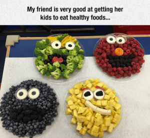 lolzandtrollz:  Sesame Street Fruit Bowls: My friend is very good at getting her  kids to eat healthy foods... lolzandtrollz:  Sesame Street Fruit Bowls