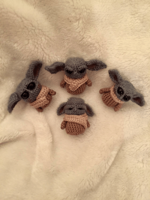My ma has been crocheting different variations of little baby yoda charms over the last few weeks and they're so cute! by mansonfamily MORE MEMES: My ma has been crocheting different variations of little baby yoda charms over the last few weeks and they're so cute! by mansonfamily MORE MEMES