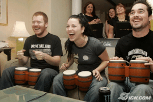 Beautiful, Donkey, and Evanescence: N D O  UBE  DRIVE LIKE JEHU  IGN.COM acoolguy:  celebgames:   Here's a photo of the band evanescence playing donkey konga in 2004.   so that was the secret to their beautiful music…
