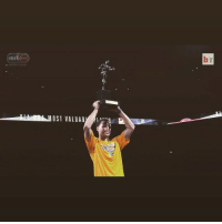 Nba, Sports, and Warriors: NBA  O ST VALU A B The MVP @wardell30 hoists his trophy in front of the @warriors fans 💯💯💯