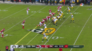 AARON JONES TAKES IT ALL THE WAY.  67-yard receiving TD to take the lead! @Showtyme_33 #GoPackGo  📺: #GBvsKC on NBC 📱: NFL app // Yahoo Sports app Watch free on mobile: https://t.co/mDf84f0ihz https://t.co/DpL0IhvJRS: nd  КС 24  GB 24  4th  8:16  2nd & 2  :07  6-1  5-2 AARON JONES TAKES IT ALL THE WAY.  67-yard receiving TD to take the lead! @Showtyme_33 #GoPackGo  📺: #GBvsKC on NBC 📱: NFL app // Yahoo Sports app Watch free on mobile: https://t.co/mDf84f0ihz https://t.co/DpL0IhvJRS